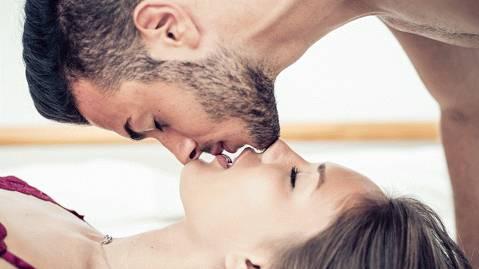 ¿Qué es el beso tántrico?